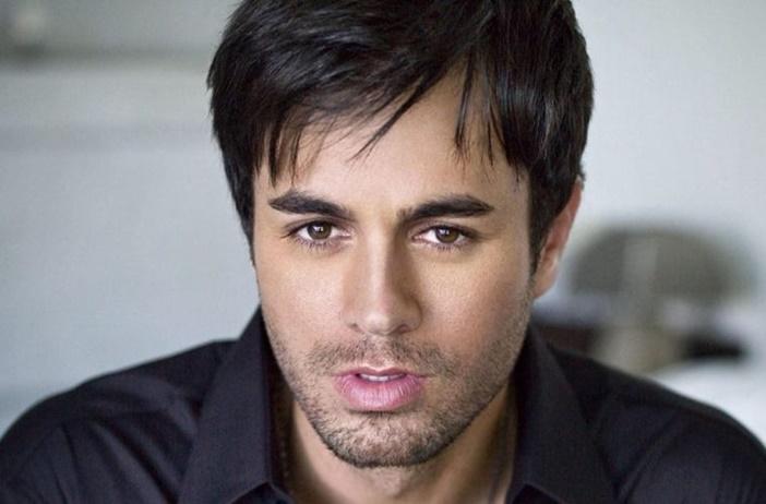 "Enrique Iglesias presentó un fragmento de ""Súbeme La Radio"""