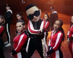 """""""Con Calma"""", de Daddy Yankee y Snow, lidera por segunda semana en Billboard"""